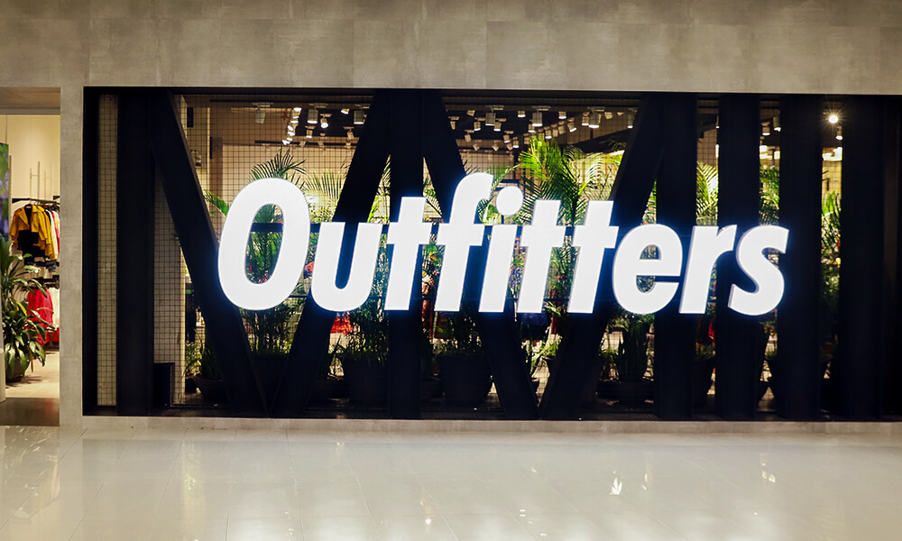 Outfitters 2003 - (mobile-img)
